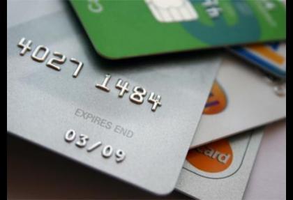 Bankalardan aidatsız kart atağı