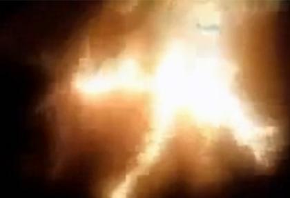 'La ilahe illallah' diyen muhalifi yaktılar
