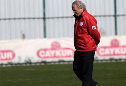 Mustafa Denizli istifa etti !