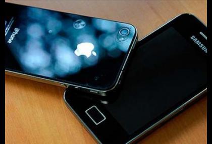Apple Samsung'a karşı zafer kazandı