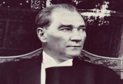 """""""Mustafa Kemal'i İsrail lobisi öldürdü, naaşına otopsi yapılmalı"""""""