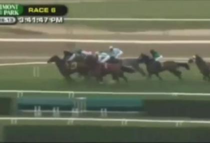 Jokeysiz at birinci oldu