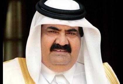 Katar emiri tahtı oğluna devretti