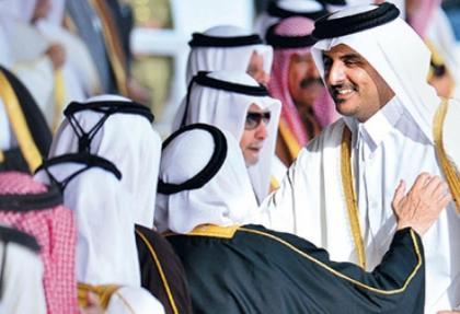 Katar'da emirin ardından hükümet de değişiyor