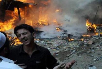 Pakistan'da bombalı saldırı: 14 Ölü