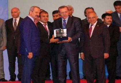 Türkiye'nin ihracat şampiyonları ödüllerini aldı