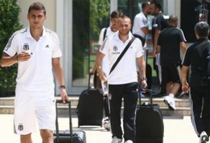 Beşiktaş, 26 kişilik kadro ile Avusturya'ya uçtu