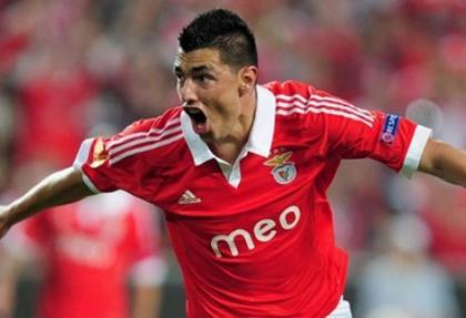 Cardozo Benfica'ya rest çekti