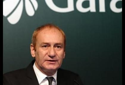 Garanti Bankası: Boynumuz kıldan ince