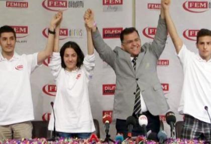 LYS şampiyonları başarılarını kutladı