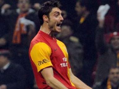 Bir isim daha Galatasaray'la yollarını ayırıyor