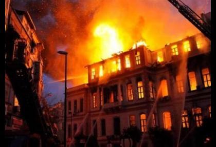 Dünyanın yangınını bir Türk söndürüyor