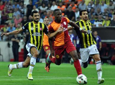 Galatasaray, Fenerbahçe'yi kaşıdı