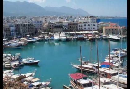 Güney Kıbrıs bankalarından kaçış sürüyor