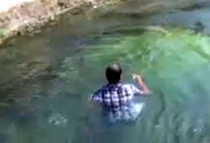 İntihar etmek için atladığı suda yüzdü