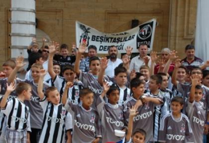 Malkara Beşiktaş'lılar Derneği, Kur'an kurslarına katılan öğrencilere Beşiktaş forması hediye etti