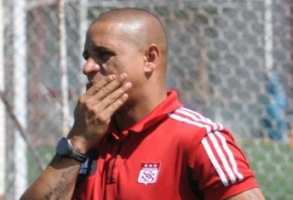 Roberto Carlos Yılmaz Vural'a cevap vermedi