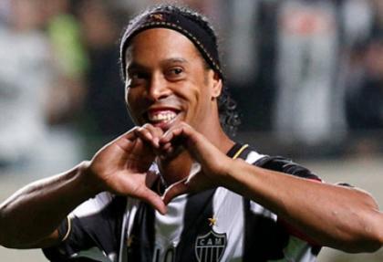 Ronaldinho müjdesi Robeto Carlos'tan