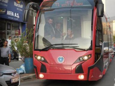 Türkiye'nin ilk yerli tramvayı engele takıldı!