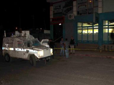 Cizre'de alışveriş merkezine saldırı