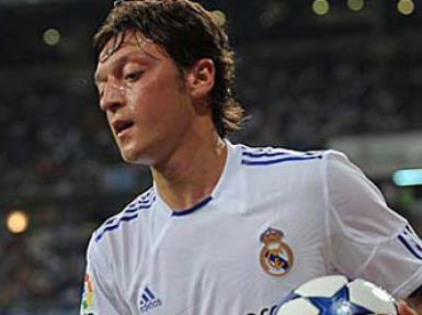 Real Madrid'den ayrılan Mesut Özil'in yeni adresi