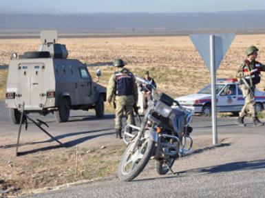 askerden dev operasyon, giris ve cikislar kapatildi