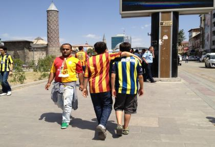 Galatasaray ve Fenerbahçe müttefik oldular