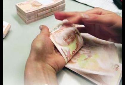 Bankacılıkta krediler 1.0 trilyon TL'ye yükseldi
