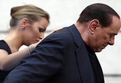 Berlusconi gizlice evlendi