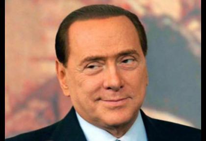 İtalyan senatosu Berlusconi'yi azletti