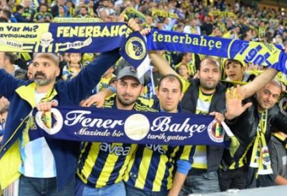 Kadıköy'de 'İmparator Fatih Terim' sürprizi
