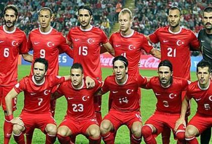 Avcı'nın babası, üç futbolcuyu vatan haini ilan etti