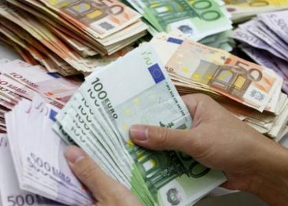 dolarda uzun pozisyon azalirken euroda artti