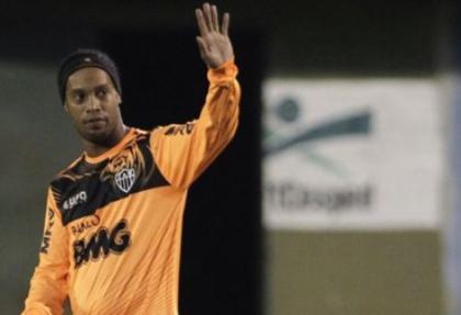 Ronaldinho imza atacağı takımı açıkladı!