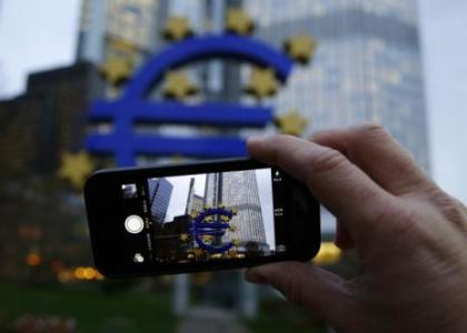 euro bolgesi'nde ekonomi guven guclendi