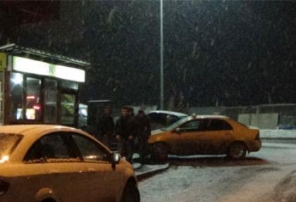 Hakkari'de kar yağışı etkili oluyor