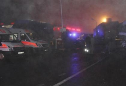 Konya'da zincirleme kaza: 1 ölü, 28 yaralı
