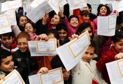 Öğrenciler'de karne heyecanı