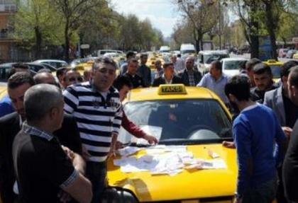 Taksicilerden zam eylemi