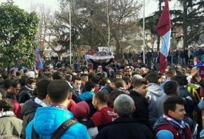 Trabzonsporlular 'hak için' sokaklara döküldü