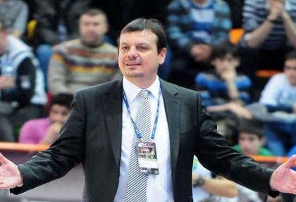 Ergin Ataman 'Kendi paramızla figüran rolünü üstleniriz'