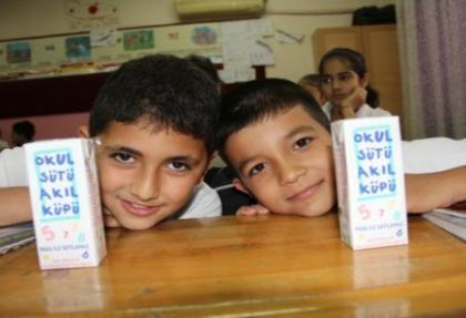 Okullarda ücretsiz süt dağıtımı başladı
