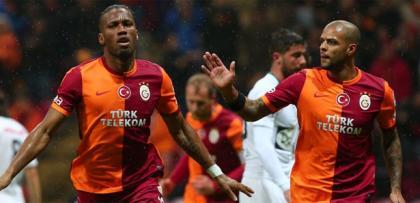 Galatasaray rakibini sahada buharlaştırdı