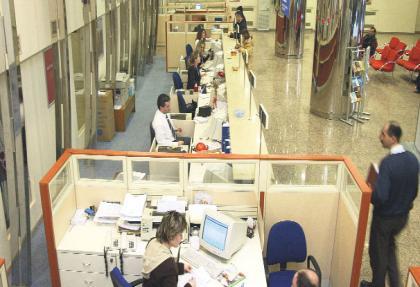 Bankaların belge ücreti el yakıyor