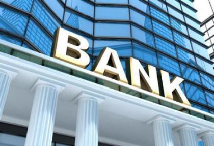 rusya 3 bankayi daha kapatti