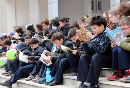 Kitap okuma etkinliği