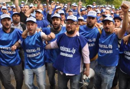 Dev fabrikada 5 bin 800 işçi greve başladı
