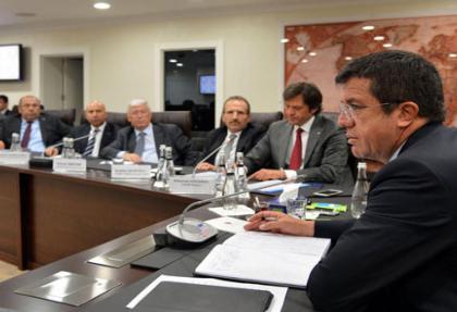 Ekonomi Bakanı Zeybekçi, faiz indirimi istedi