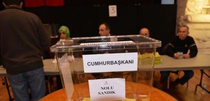gurbetci turkler oy vermeye basladi