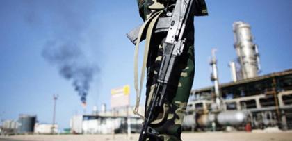 suriye'de petrol sektoru coktu